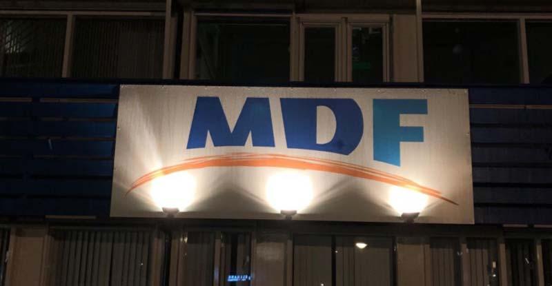 MDF buitenbord met verlichtingMDF buitenbord